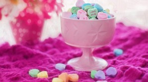 cropped-valentine-candy-626447_960_720.jpg